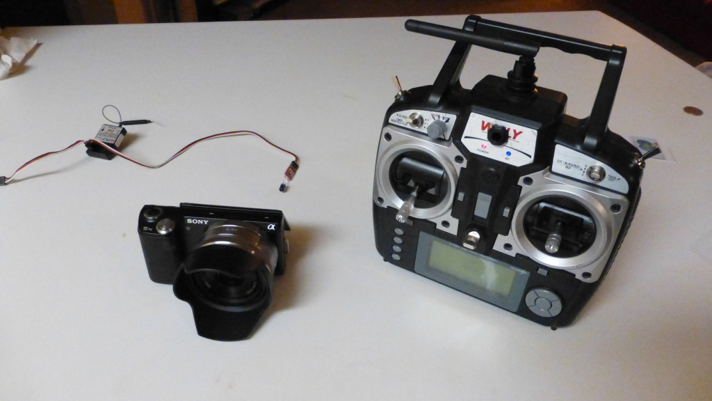 picture of NEX-5n and IR Remote